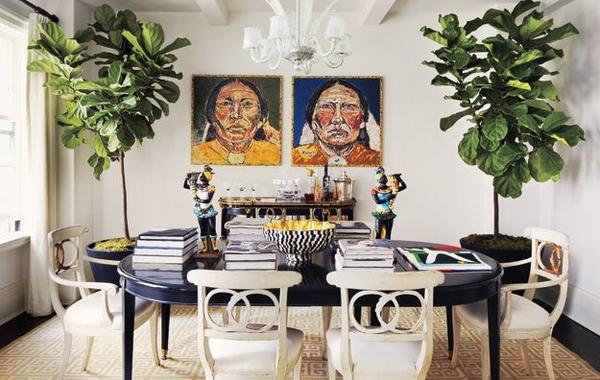Phòng khách sang chảnh với cây trang trí