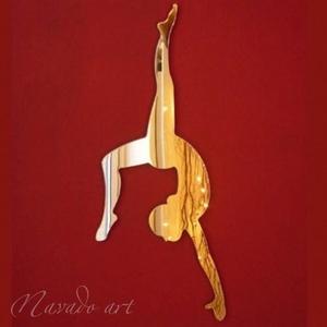 Gương trang trí hình cô gái múa bale
