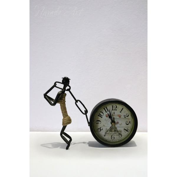 Đồng hồ để bàn nghệ thuật